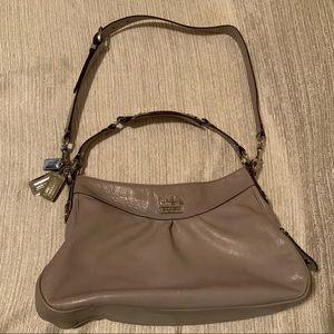Coach auth Madison Shoulder/Crossbody bag